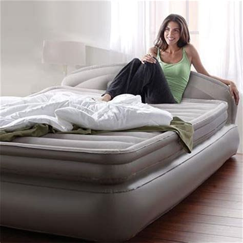 aerobed comfort anywhere aerobed comfort anywhere 18 quot air mattress with headboard