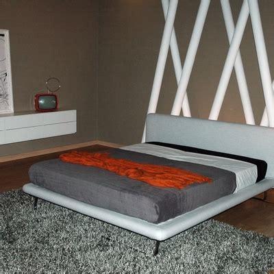 tappezzare divano costo rifoderare divano costi cheap fotojpg with rifoderare