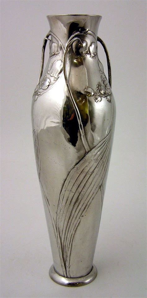 Silver Vases Cheap by 1000 Ideas About Silver Vases On Chrome Spray