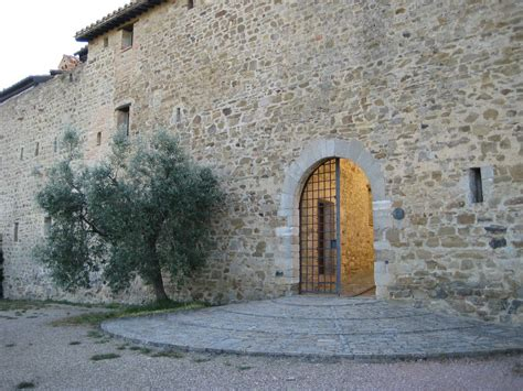 porta conca perugia 2 bedroom apartment in umbrian castle in countryside