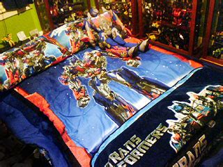 transformers room transformers fans unable to see the movie rate the