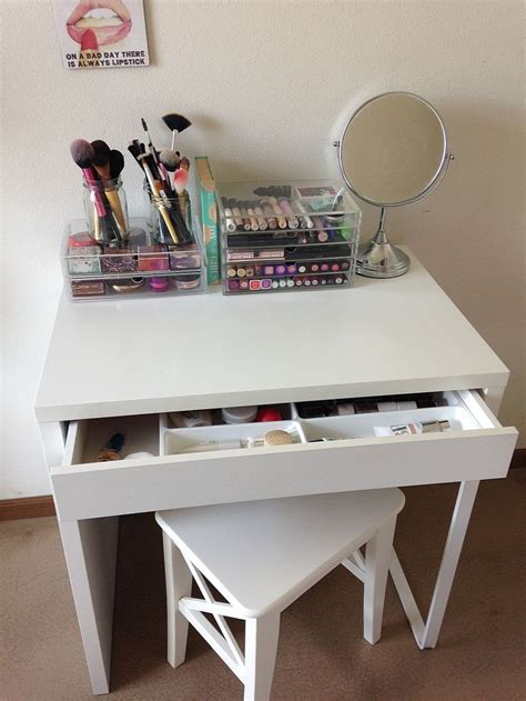 Makeup Vanity Table Ikea 25 Best Ideas About Ikea Makeup Vanity On Pinterest Makeup Tables Makeup Vanity Desk And