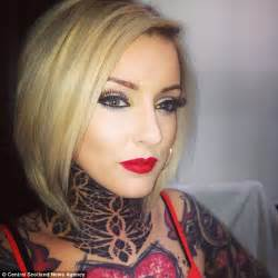 bouncer refused to let make up artist in bar because she