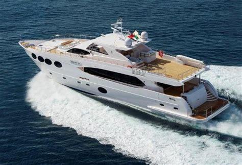 yacht zoo motor yacht majesty 105 gulf craft yacht harbour
