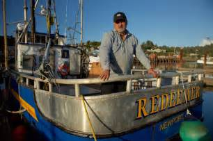 original deadliest catch boats discovery heads to oregon town for deadliest catch