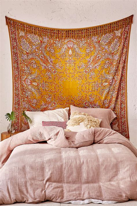 trendy headboards     dreamin hgtvs