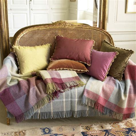 selecting  dressage cushions  sofa  chairs