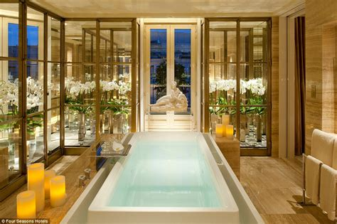 Most Expensive Bathroom The World S Most Luxurious Hotel Bathrooms Revealed Daily Mail