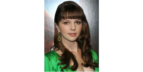 deep triangle bangs hairstyles to embrace a triangular face