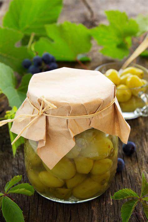 articoli di cucina uva spina sotto spirito la ricetta per preparare l uva