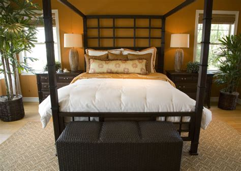 18 master bedrooms featuring canopy beds and four poster beds beautiful pictures