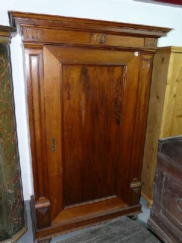 antiguedad armario nogal