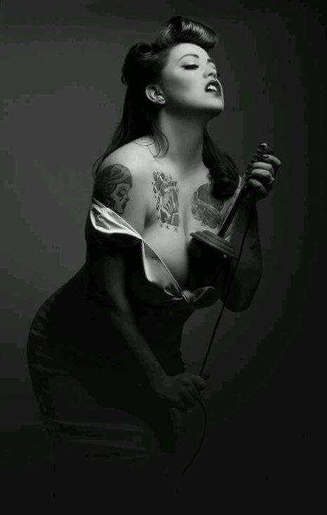 tattoo pin up girl models pin up girls inked retro tattoos tattoo ideas mr