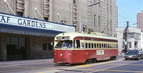 file carlton and maple leaf toronto trolleys and buses on toronto buses