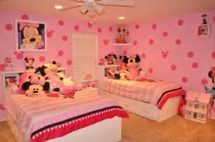 Minnie mouse bedroom carolina pinterest disney paint ideas