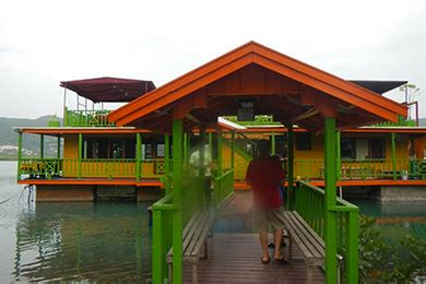 houseboat grill restaurant menu houseboat grill jamaica family vacation critic