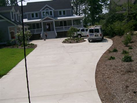 sted border concrete pool deck