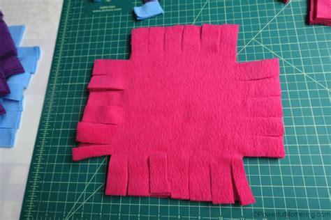 Patchwork Fleece Blanket - patchwork no sew fleece blanket tutorial