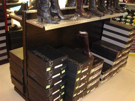 arredamenti negozi calzature arredamento negozio calzature linea arredo