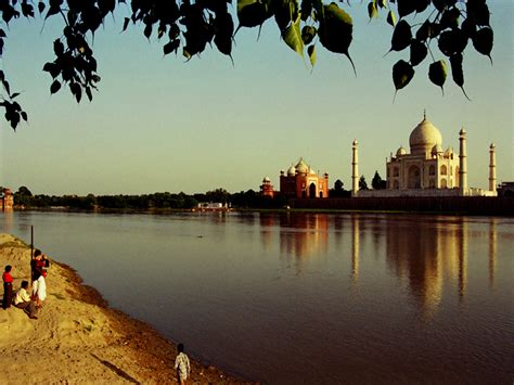 Spanish Home Welcome To Official Website Of Taj Mahal U P Tourism