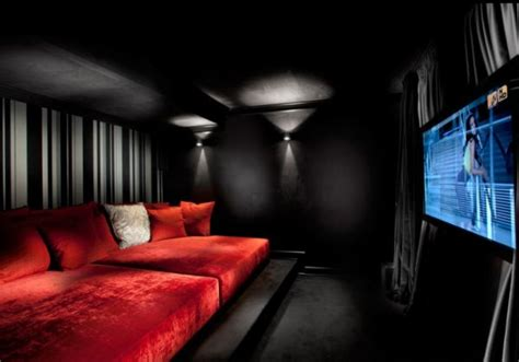 Black And Red Room | 35 modern media room designs that will blow you away