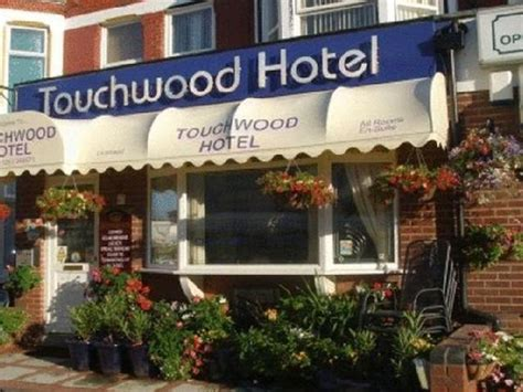 swinging hotels uk blackpool 24 guest houses in blackpool mitula property