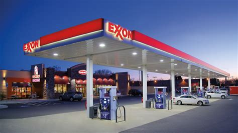 exxon mobile app you can now pay for gas at exxonmobil using apple pay