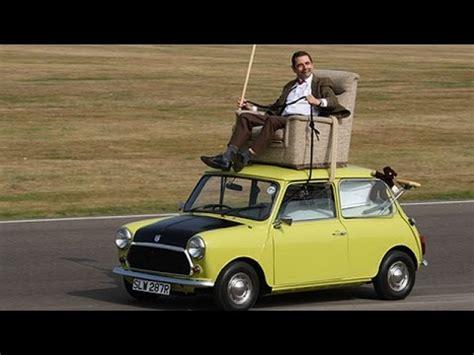 mr bean sofa on car mr bean 25th anniversary rides his 1976 mini 1000