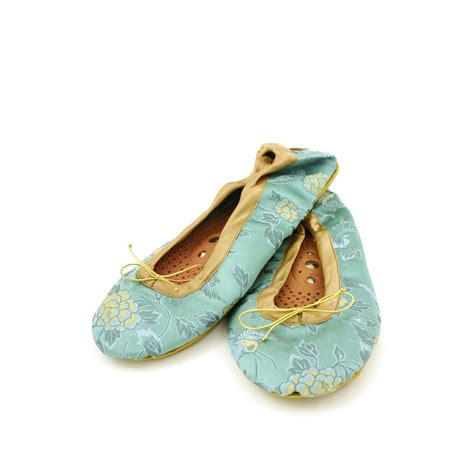Holistic Silk Reflexology Slippers by Holistic Silk Myescape