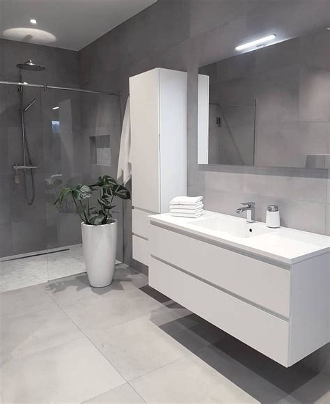 light grey bathroom 25 best ideas about light grey bathrooms on pinterest