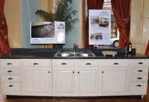 Repainting Kitchen Cabinets Without Sanding Repaint Your Kitchen Cabinets Without Stripping Or Sanding With Hiqh