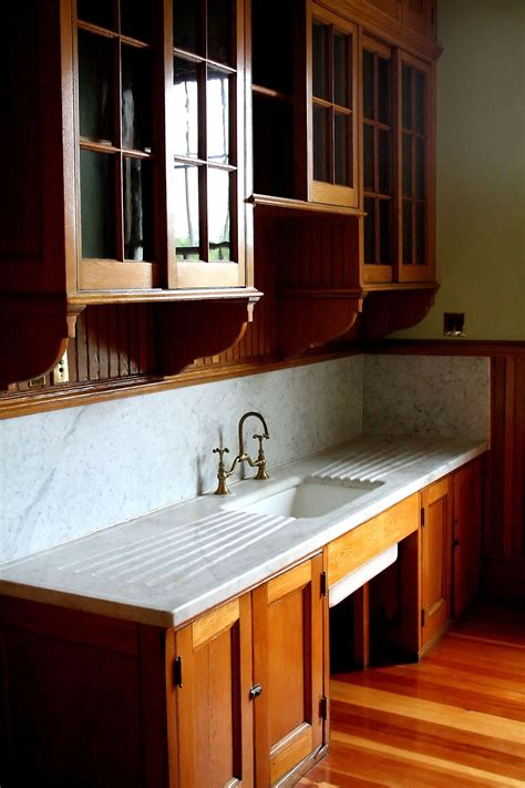 vintage kitchen features
