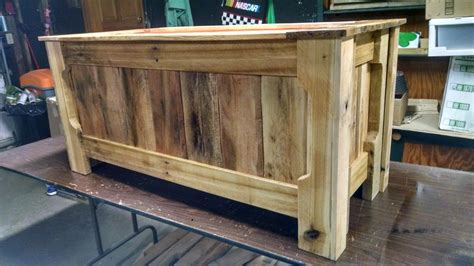 pallet wood toy box  steps  pictures
