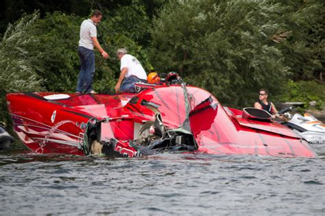 cigarette boat crash crazy boat wrecks thread boat crash this weekend 1000