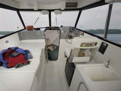 bayliner trophy hardtop boats for sale uk trophy trophy walkarounds trophy 2359 hardtop walkaround