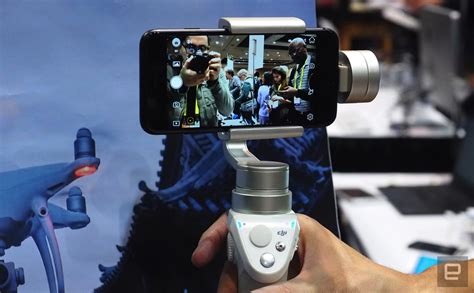 Dji Osmo Mobile Di Indonesia dji gives its osmo mobile stabilizer a fresh silver look