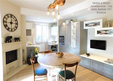 zona living con cucina cucina e zona living modello agnese marchio cucine lube