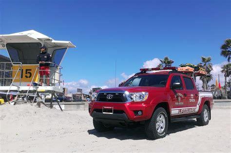 toyota trucks and suvs 2014 toyota tacoma san diego lifeguards rear angle 330705