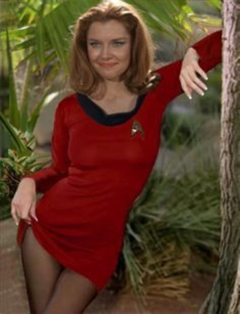 hot chick from star trek into darkness emily banks actor s actresses comedians singers