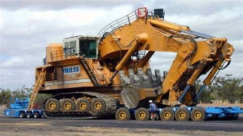 heavy equipment modern biggest construction excavator  doovi
