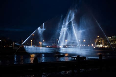 Designboom Ghost Ship | visualskin project ghost ship hologram along amsterdam canal