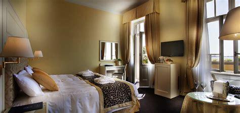 Duble Room by Deluxe Room Hotel Gardone Riviera