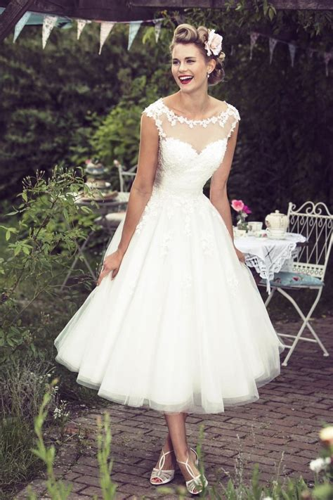Best 25  1950s style wedding dresses ideas on Pinterest