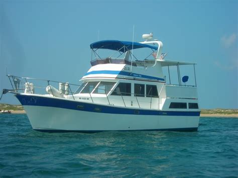 marine trader sun deck trawler powerboat  sale