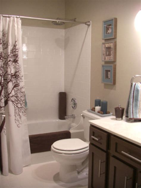 Hgtv Decorating Bathrooms by More Beautiful Bathroom Makeovers From Hgtv Fans