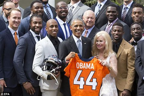 pat bowlen house barack obama welcomes super bowl 50 chions denver broncos to the white house