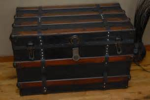 Steamer Trunk With Drawers by Coffee Table Steamer Trunk Coffee Table With Drawers