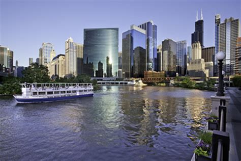 chicago party boat tours 12 student friendly sightseeing cruises