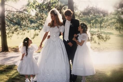 Family Ties: Couples Return to Parents' Wedding Venues