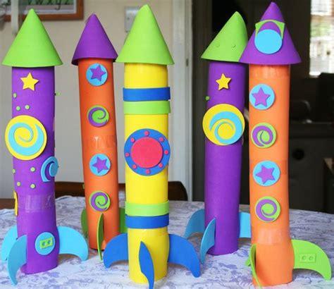 How To Make A 3d Rocket Out Of Paper - 20 brinquedos reciclados para voc 234 fazer em casa